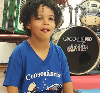 David, de 9 anos, foi diagnosticado aos 21 meses com a desordem https://www.bbc.com/portuguese/geral-39152964# Você nunca vai ficar sem assunto ao falar com alguém com a Síndrome de Williams. Seja em […]
